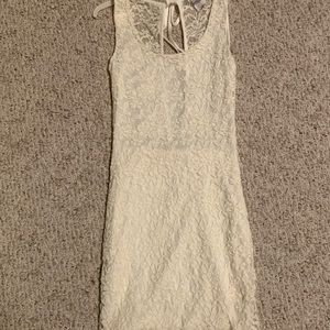 White, lace dress